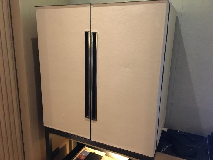 bangkok okura prestige minibar closet.jpg