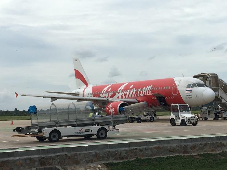 airasia approaching plane tarmac