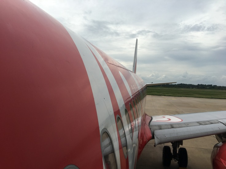 airasia boarding plane view from wing