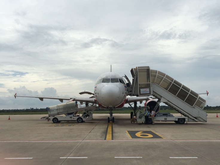 airasia facing plane tarmac