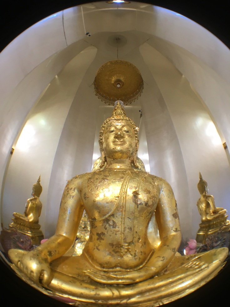 bangkok tour golden mount buddha statue fisheye