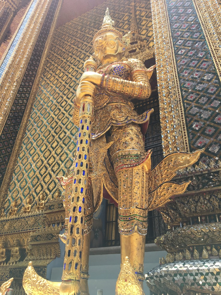 bangkok tour royal palace golden guard
