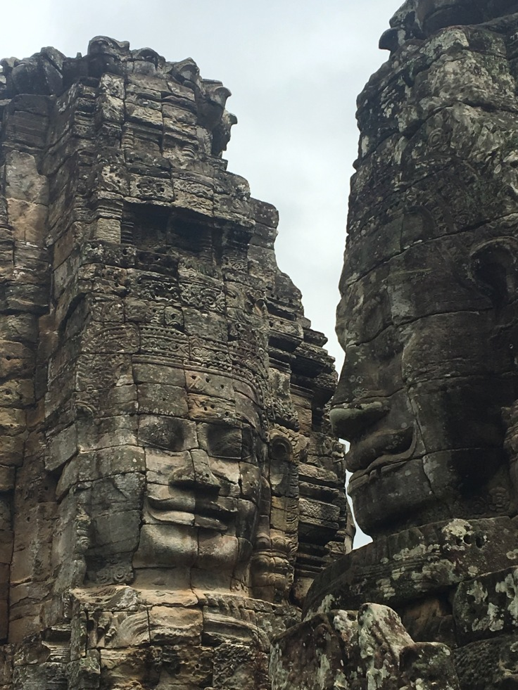 siem reap angkor wat bayon temple faces