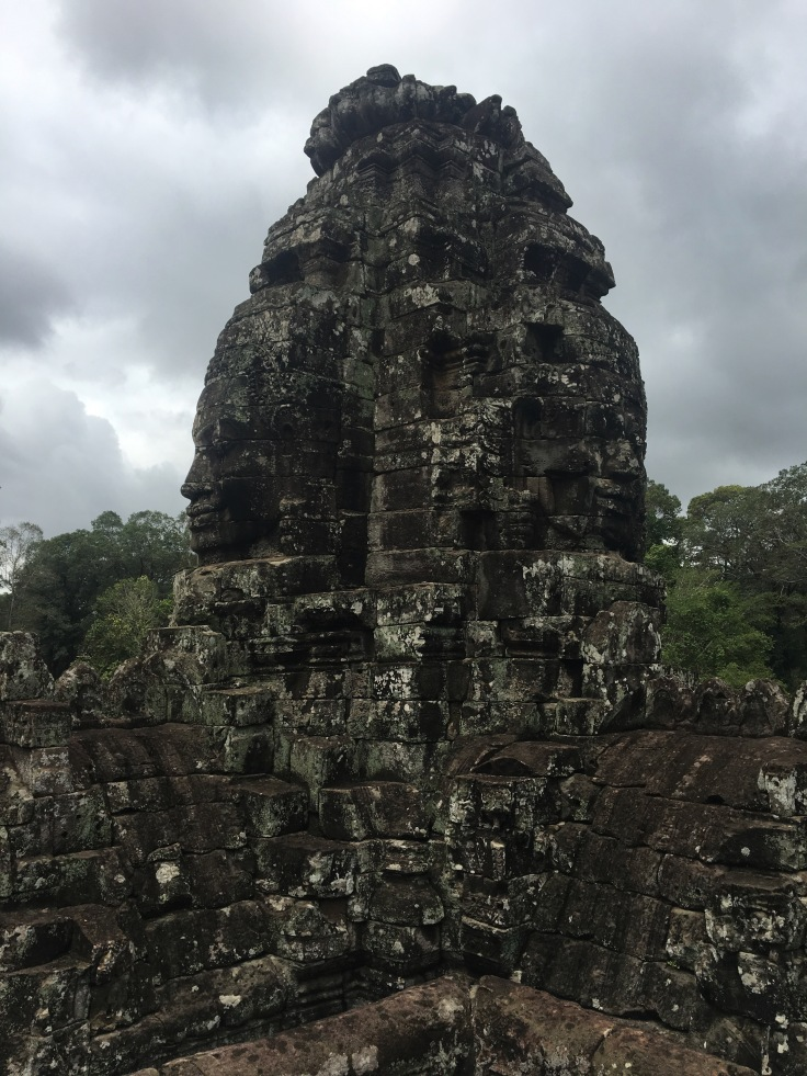 siem reap angkor wat bayon temple stupa