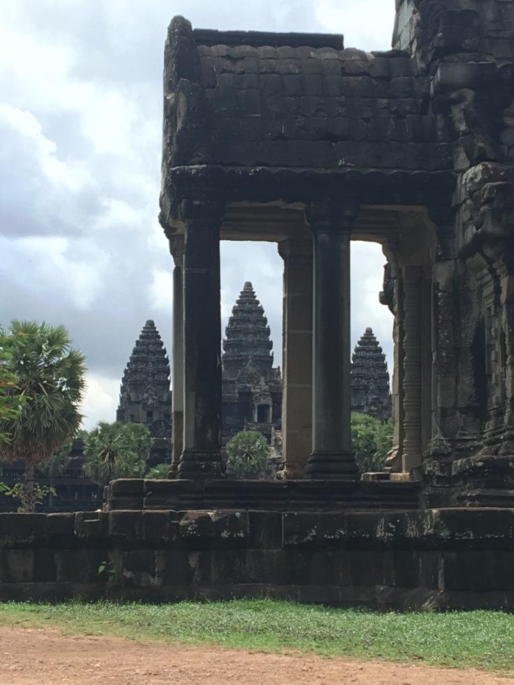 siem reap angkor wat main temple main image