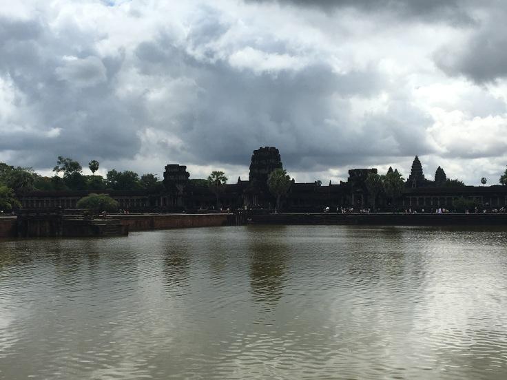 siem reap angkor wat main temple moat