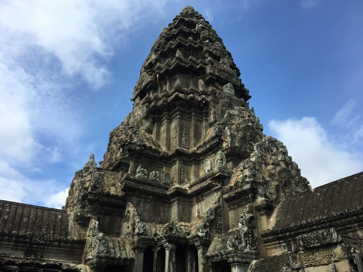 siem reap angkor wat main temple stupa