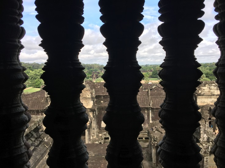 siem reap angkor wat main temple window view
