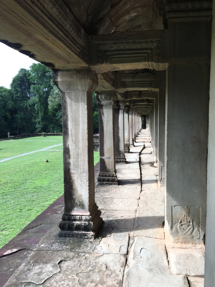 siem reap angkor wat rear back porch columns