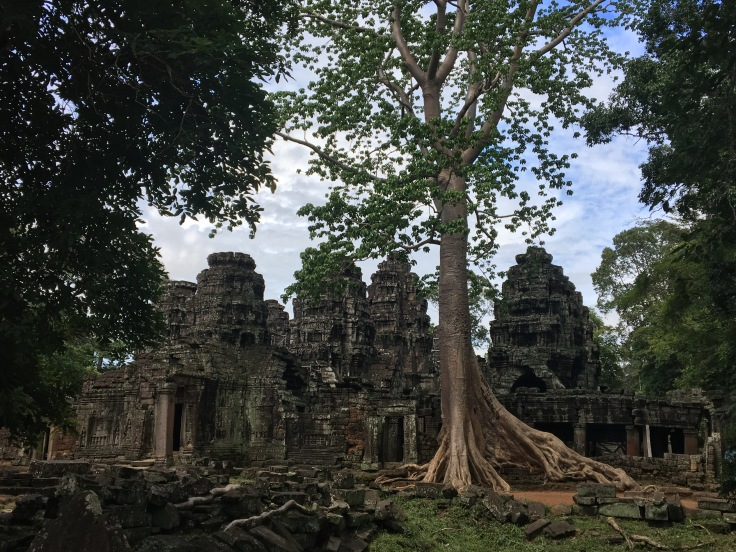 siem reap angkor wat temple skyline