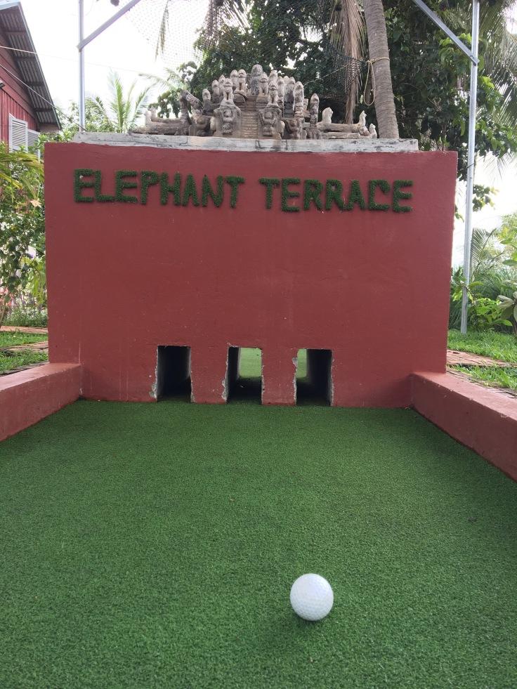 siem reap golf angkor wat putt elephant temple