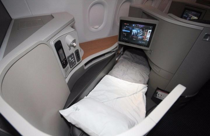 american-airlines-business-class-reverse-herringbone.jpg