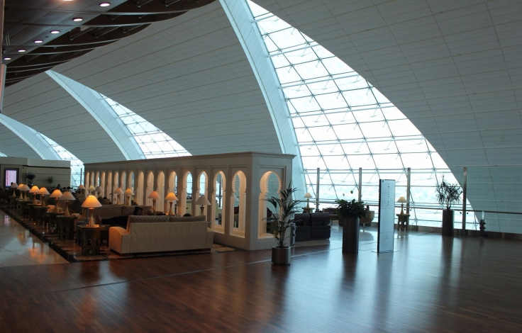 emirates dubai airport first class lounge