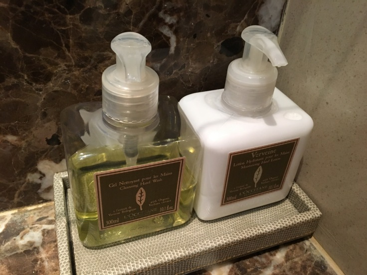thai royal first lounge bathroom toiletries