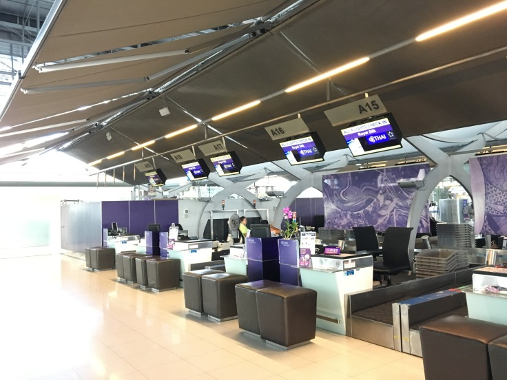 thai royal first lounge check in counters
