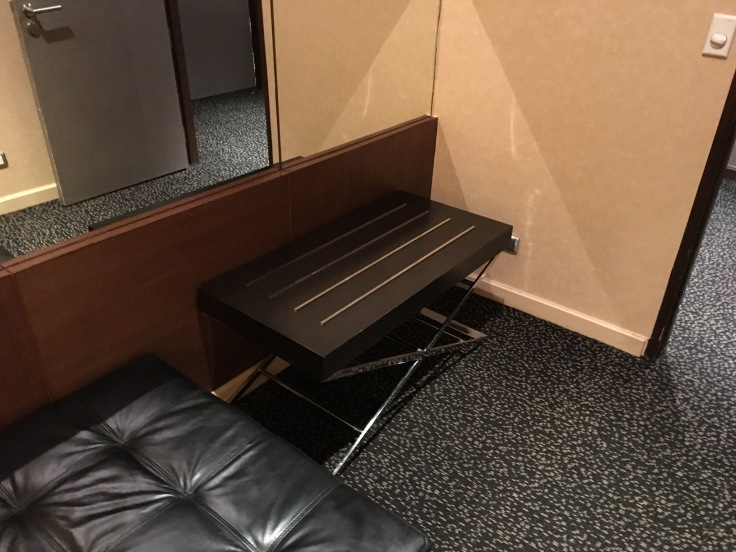 thai royal first lounge nap room suitcase