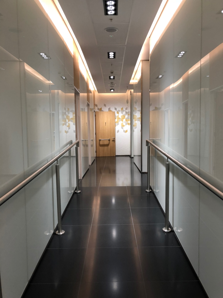 lhr arrivals lounge shower corridor
