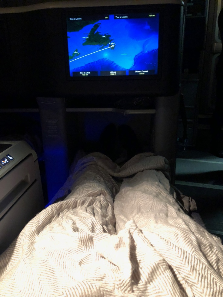 united airlines polaris business diamond hard seat bed view