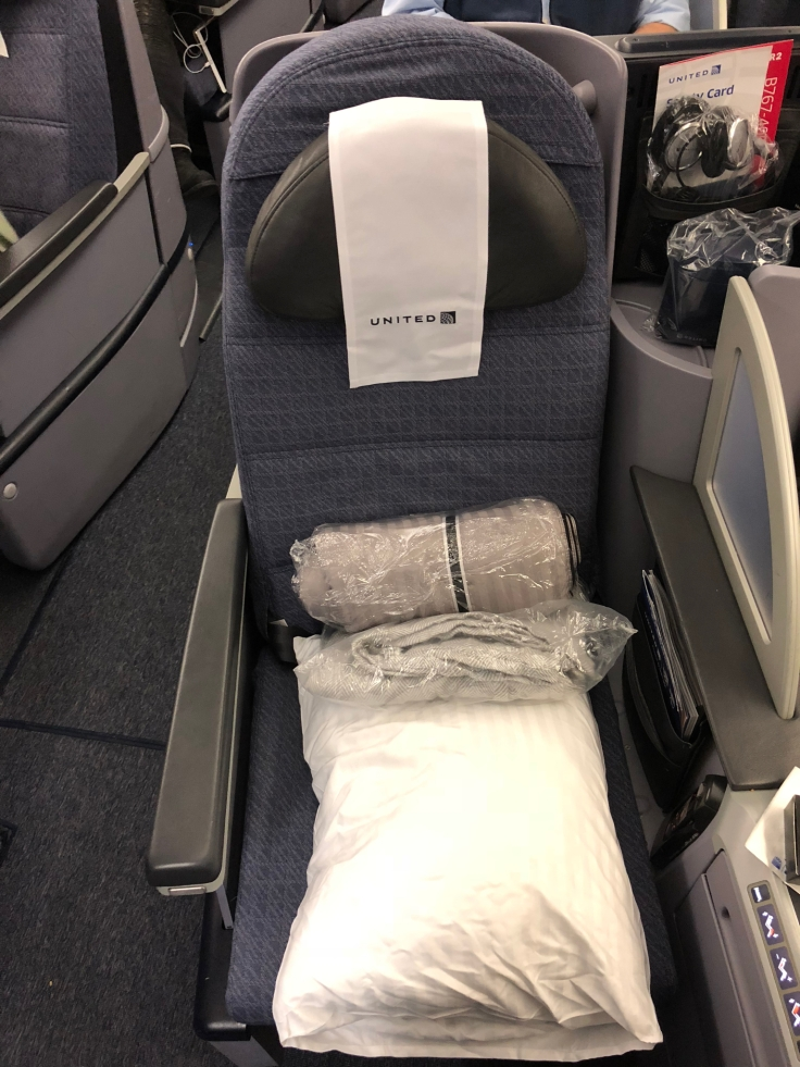 united airlines polaris business diamond hard seat first view 3