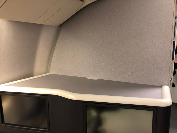 united airlines polaris business diamond hard seat shelf