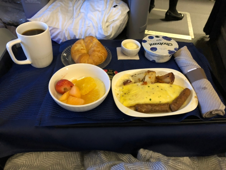 united airlines polaris business diamond soft dining arrival breakfast