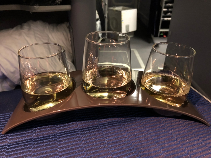 united airlines polaris business diamond soft dining wine flight