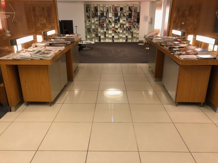air france business salon cdg interior side corridor