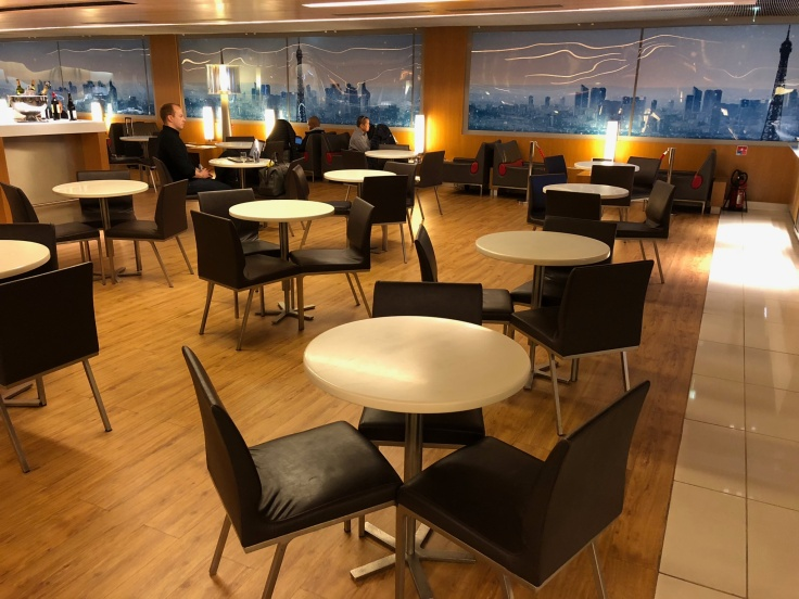 air france business salon cdg interior side seating area 5