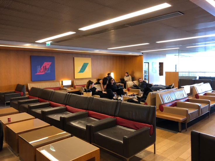 air france business salon cdg upstairs seating area 3