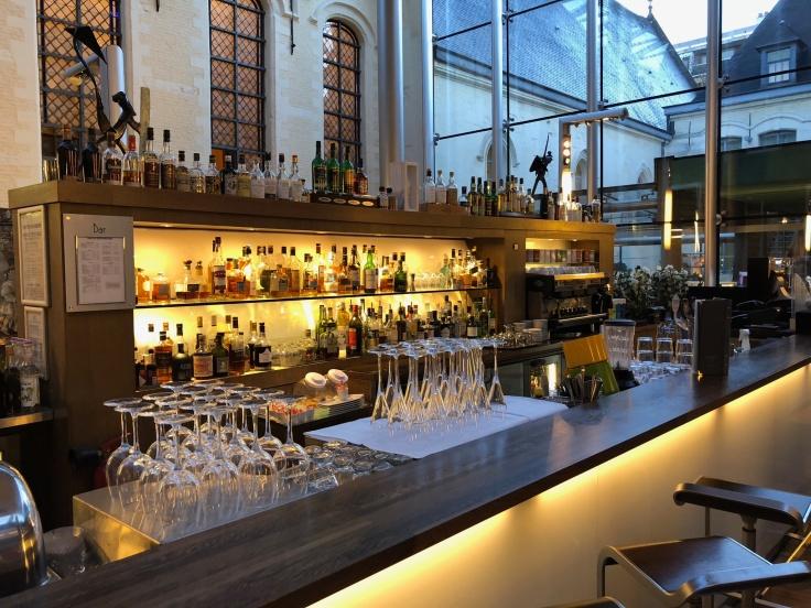 l'hermitage gantois lille public atrium bar