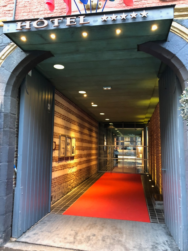 l'hermitage gantois lille public entrance red carpet