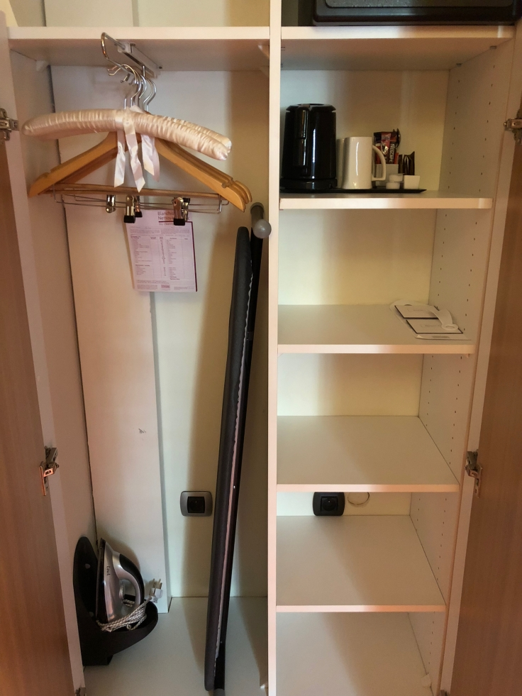 l'hermitage gantois lille room closet