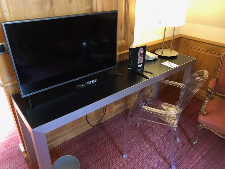 l'hermitage gantois lille room television