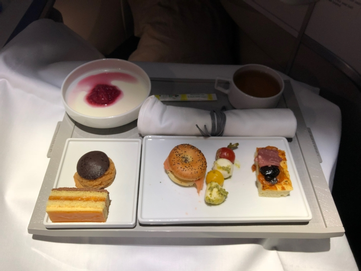air france business dining arrival tray