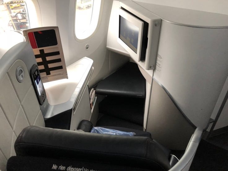 air france business hard seat forward view