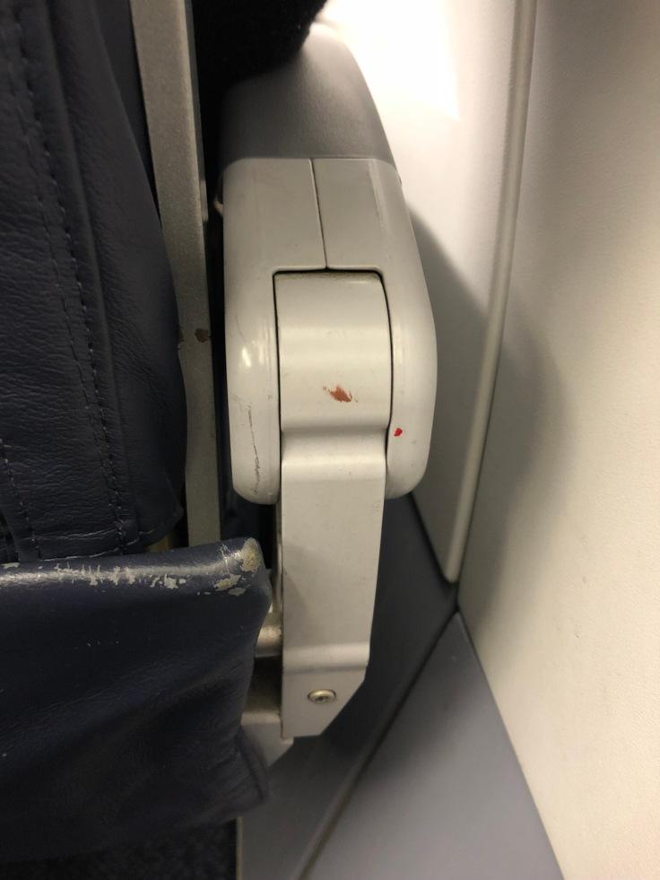 spirit airlines hard armrest dirty