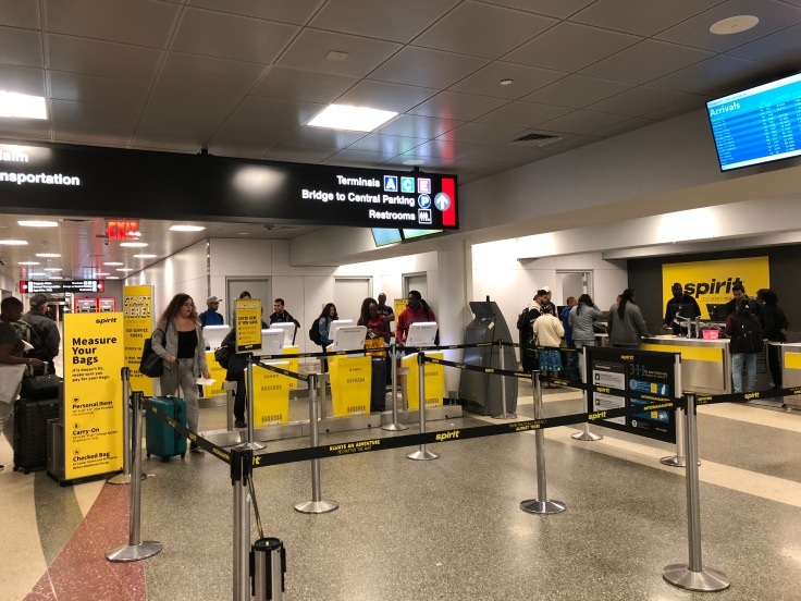 spirit airlines airport check in area