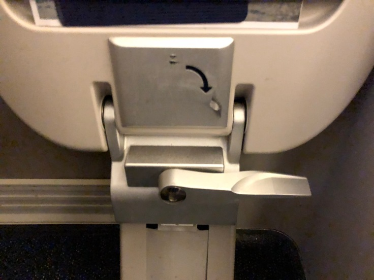 british airways club world hard seat legrest ottoman release mechanism