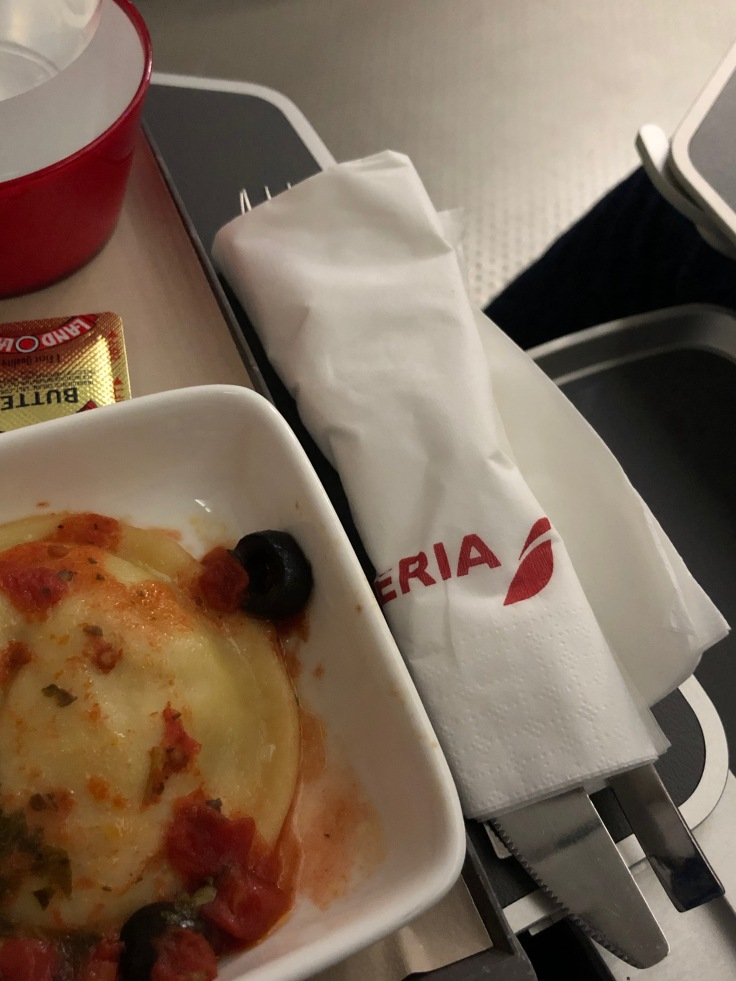 2019 iberia premium economy 06 01 dinner utensils unpackaged