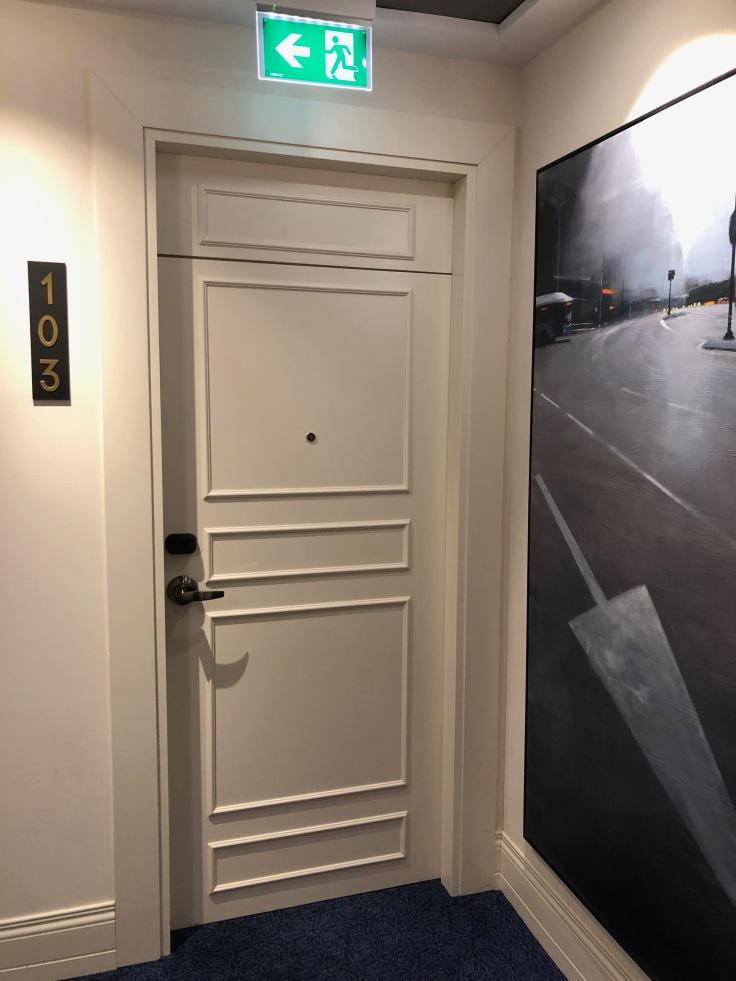 2019 hilton doubletree madrid 02.9 front door