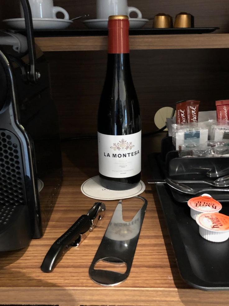2019 hilton doubletree madrid 04 cabinet wine