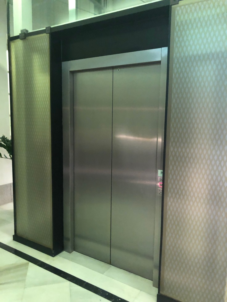 2019 hilton doubletree madrid 07 elevator
