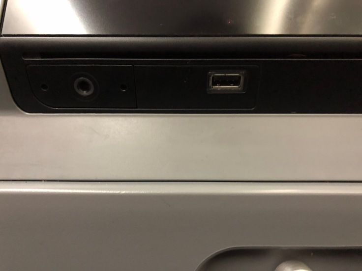 2019 Norwegian Air 03.5 USB and headphone jack