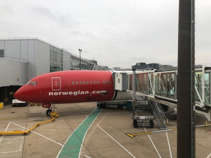 2019 Norwegian Air 09 disembarkation