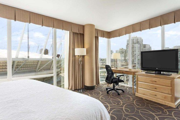 Obama Top 10 Hampton Inns Vancouver Suite