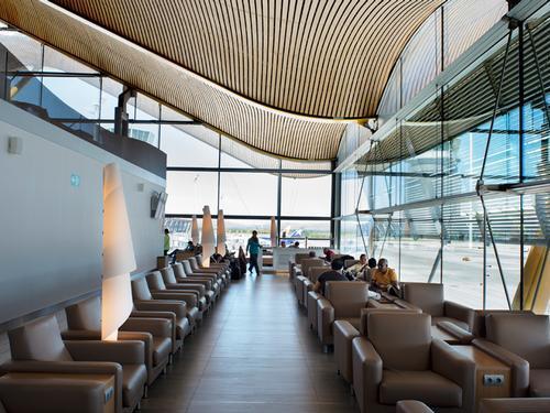 2019 AA Business Class 767 00 barajas neptuno lounge